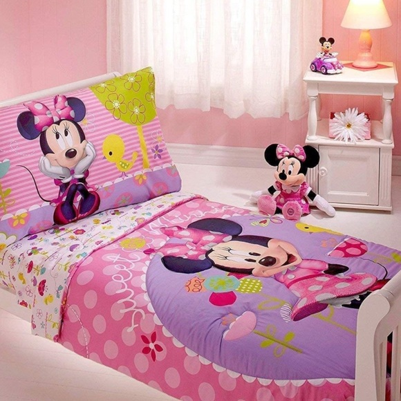 Minnie Mouse 4-piece TODDLER bed set